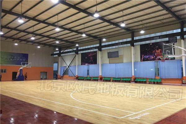 篮球木地板--青岛黄岛区涌泉湾篮球俱乐部成功案例